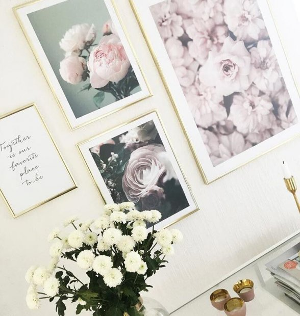 Delicate photo wall in pink tones with peonies