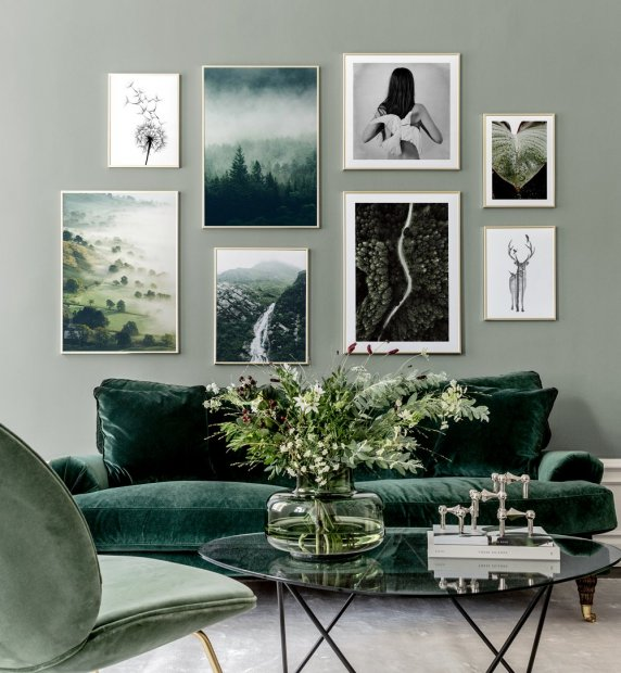 Gallery wall inspired by nature with green colours